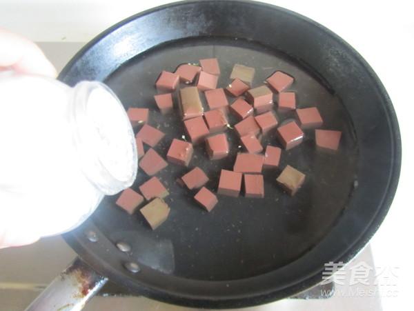 韭菜薹炒鸭血的做法图解