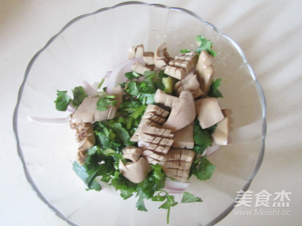 花生洋葱拌腰花怎么吃