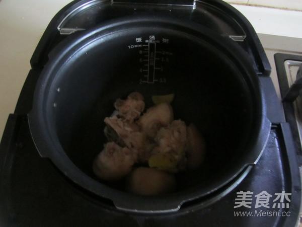 白萝卜蹄花汤的简单做法