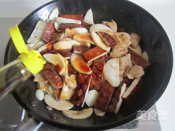 杏鲍菇干子炒肉片怎么炒