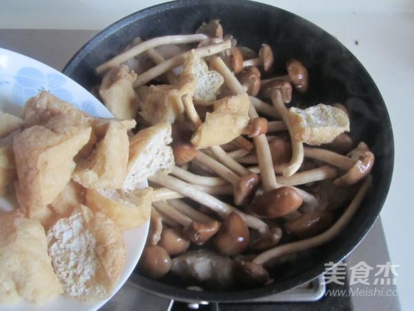 茶树菇豆腐泡五花肉怎么做