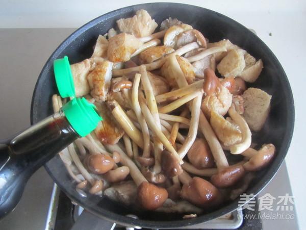 茶树菇豆腐泡五花肉怎么炒