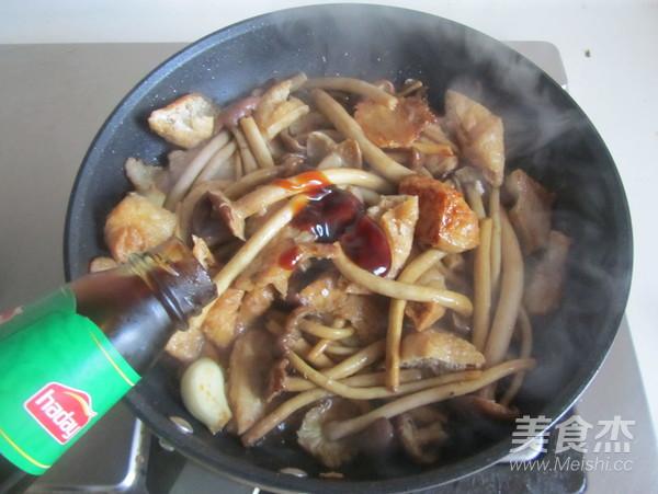 茶树菇豆腐泡五花肉怎么炖