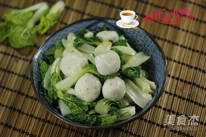 鱼丸炒小白菜怎么做