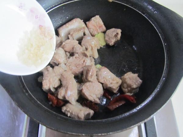 香菇千张结烧排骨的家常做法