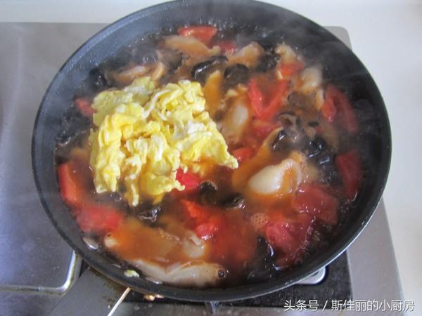 番茄鸡蛋烩玉米面怎么煸