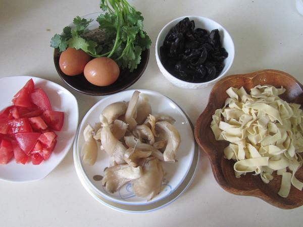 番茄鸡蛋烩玉米面的做法大全