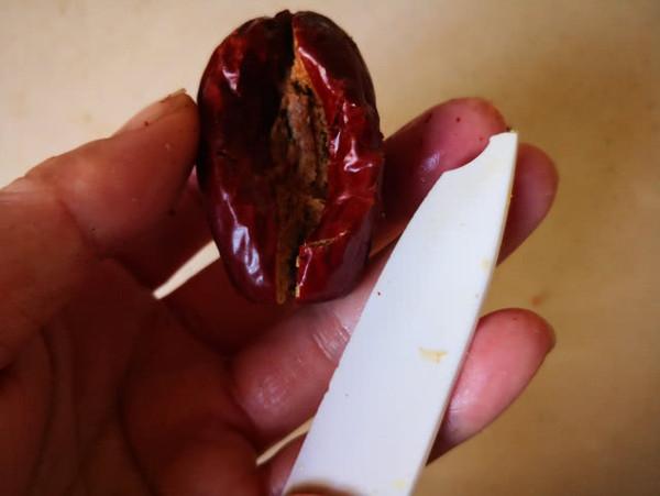 莲子红枣开口笑的步骤
