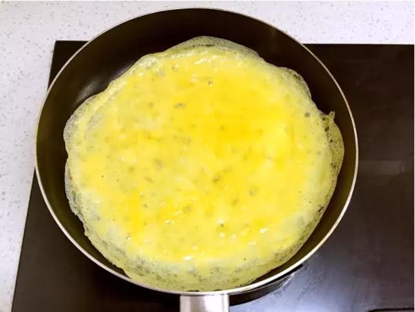 猪肉胡萝卜鸡蛋卷的简单做法