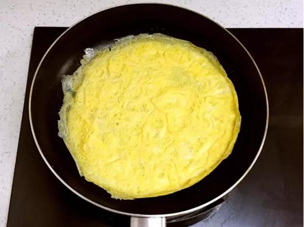 猪肉胡萝卜鸡蛋卷怎么吃