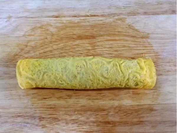 猪肉胡萝卜鸡蛋卷怎么炒