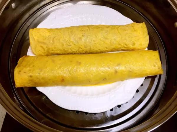 猪肉胡萝卜鸡蛋卷怎么煮