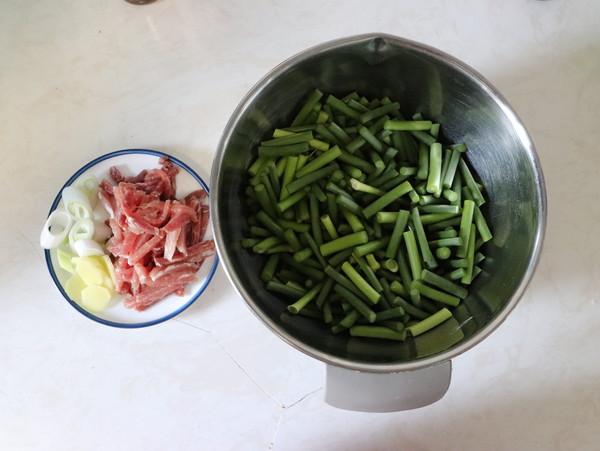 蒜苔炒肉的做法大全