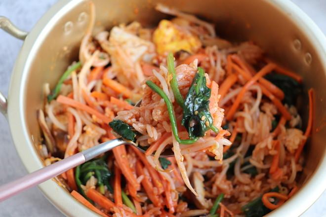 家庭自制韩式拌饭怎么炒