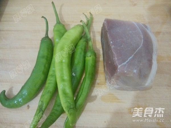青椒腊肉炒笋干的简单做法