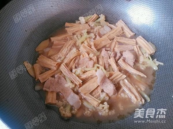 花菜肉片炖腐竹怎样炖
