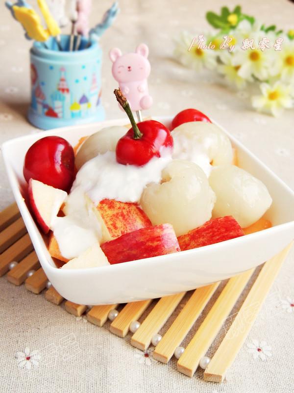 酸奶水果沙拉成品图