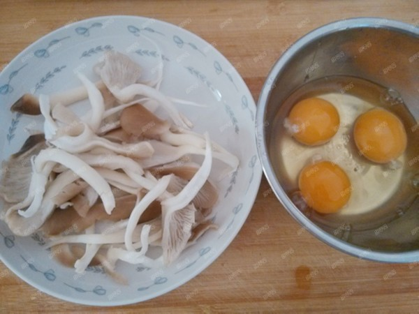 平菇鸡蛋汤的做法图解