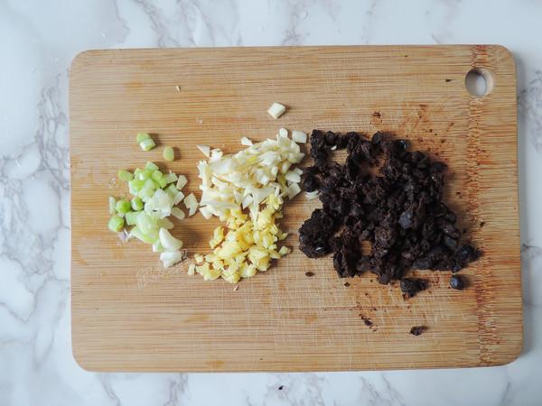 豆豉土豆蒸排骨的步骤
