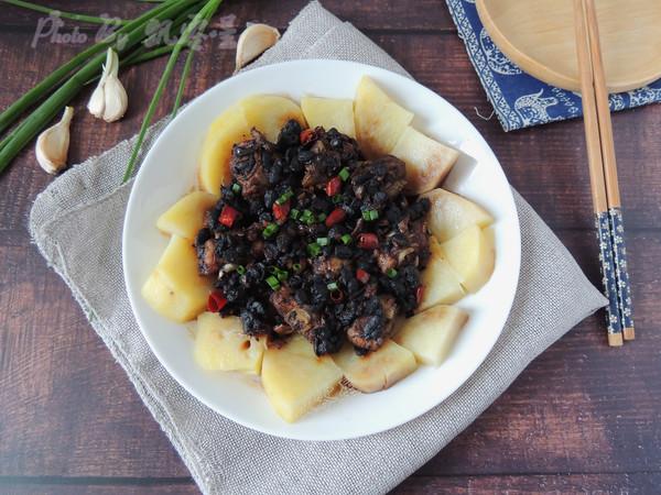 豆豉土豆蒸排骨成品图