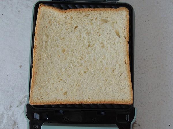 鸡蛋火腿三明治怎么炒