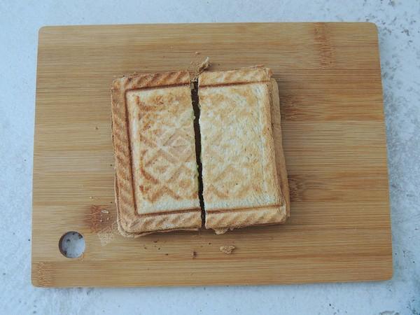鸡蛋火腿三明治的制作