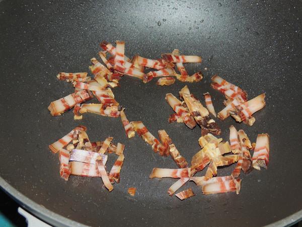 香菇腊肉焖饭的家常做法