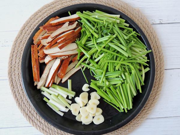 芹菜香干肉丝的简单做法