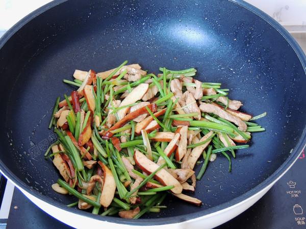 芹菜香干肉丝怎样做