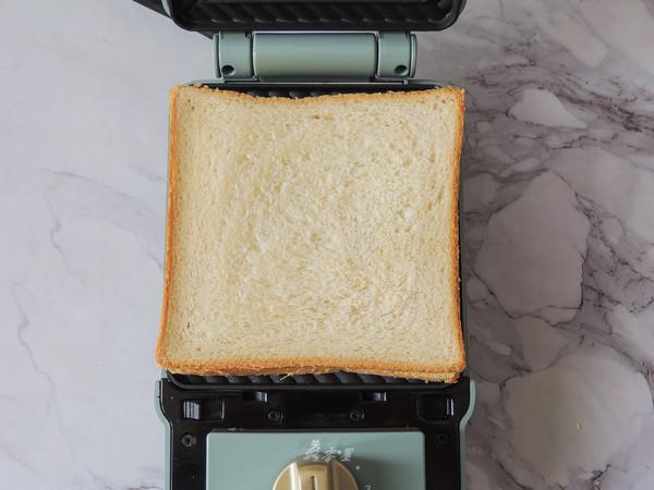 #最美不过中秋味#花生酱香蕉三明治的简单做法