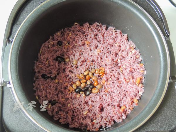 时蔬虾仁杂粮炒饭的简单做法