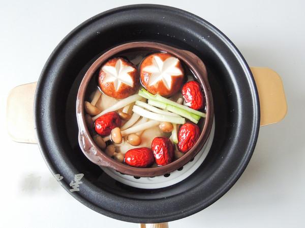 香菇炖鸡腿怎么炒