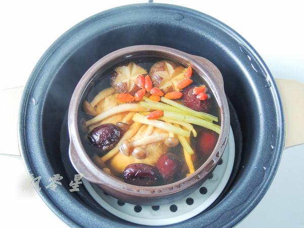 香菇炖鸡腿怎么煮