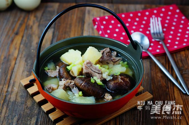 土豆炖排骨汤成品图