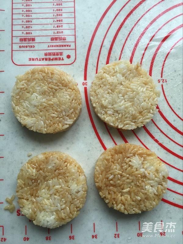 双味培根米堡的做法图解