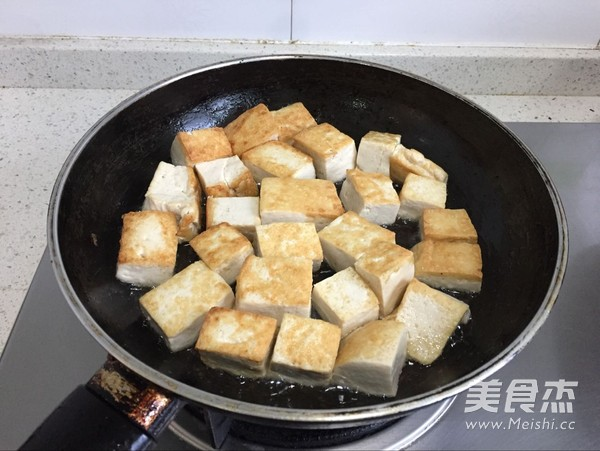 牛肉丸焖豆腐的家常做法