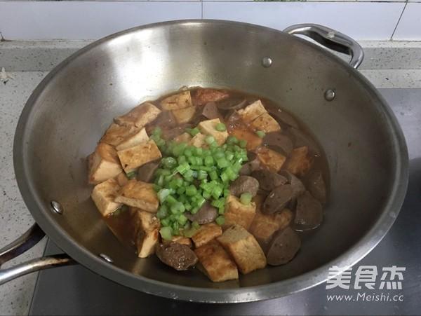 牛肉丸焖豆腐怎么炒