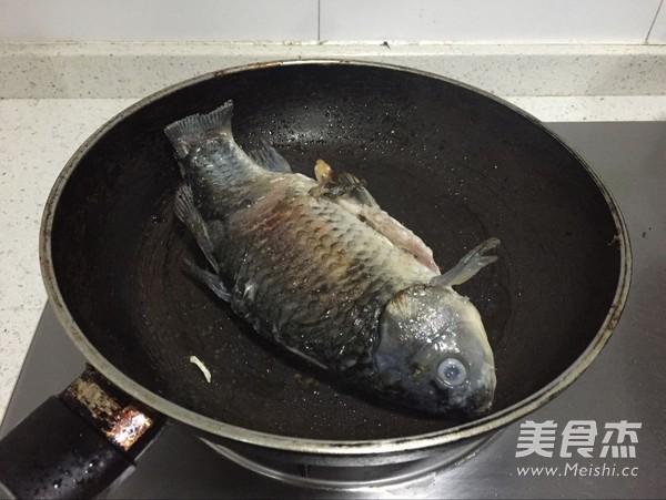 芡实鲫鱼汤的简单做法