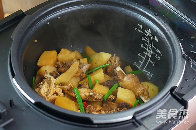 香菇土豆焖鸡怎样做