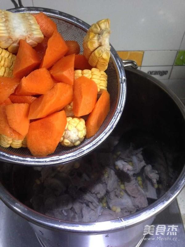 胡萝卜玉米汤面的简单做法