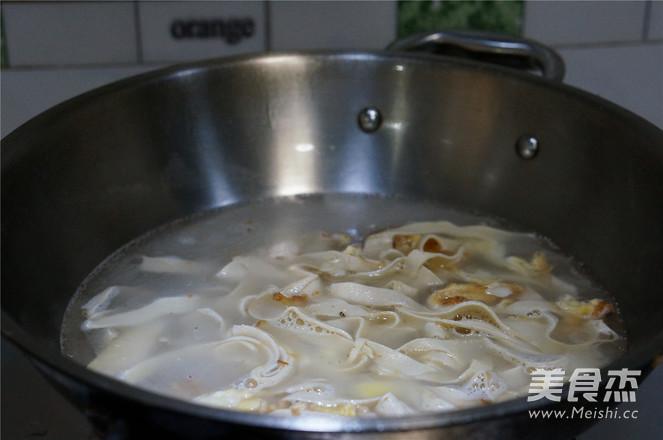 鸡蛋豆皮青菜汤的简单做法