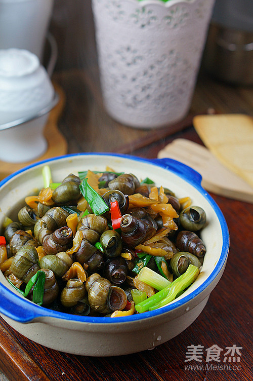 鲜炒螺蛳成品图