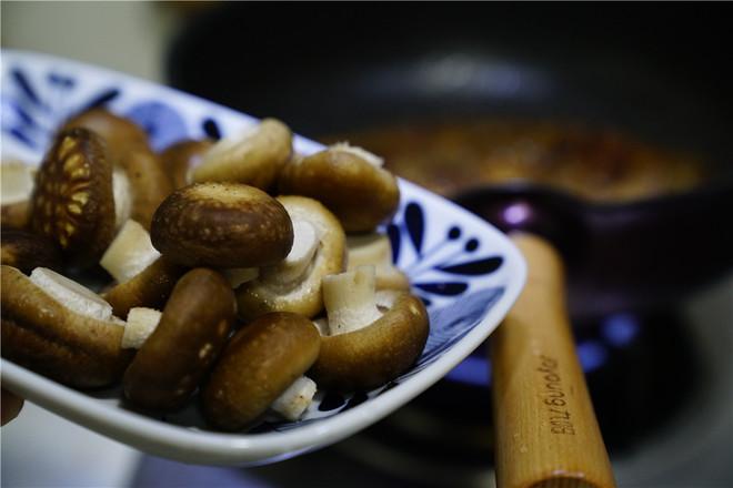 洋葱香菇五花肉怎么炒