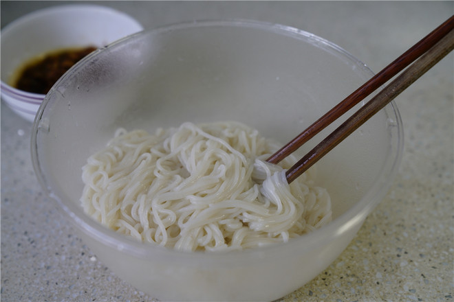 肉末蛋丝拌粉怎么吃