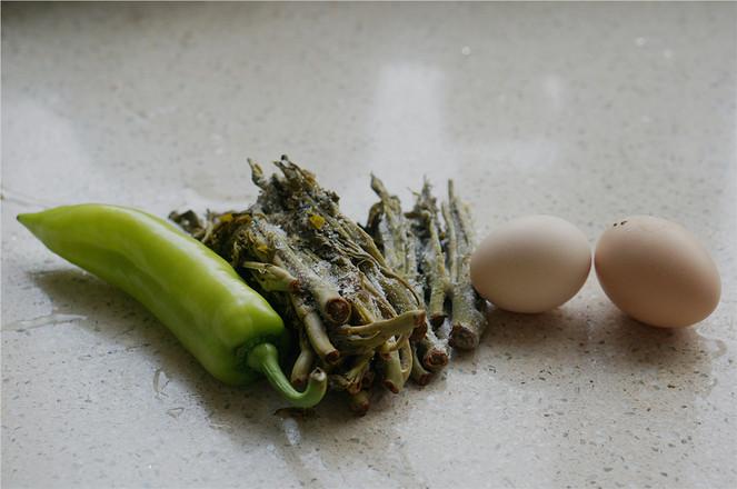 辣椒香椿炒蛋的做法大全