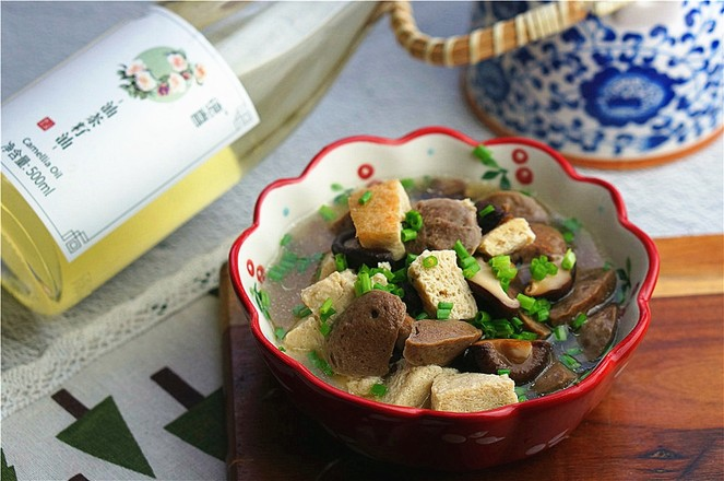 香菇冻豆腐焖牛肉丸怎么煮
