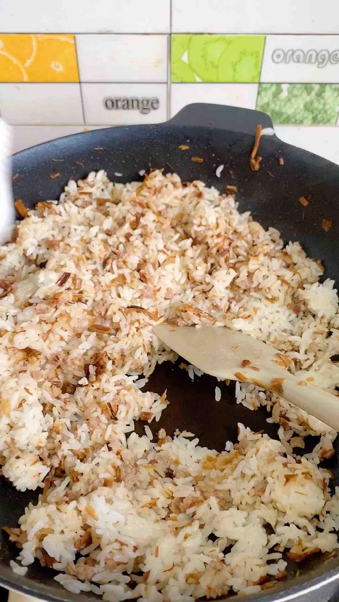 洋葱肉末炒饭的简单做法