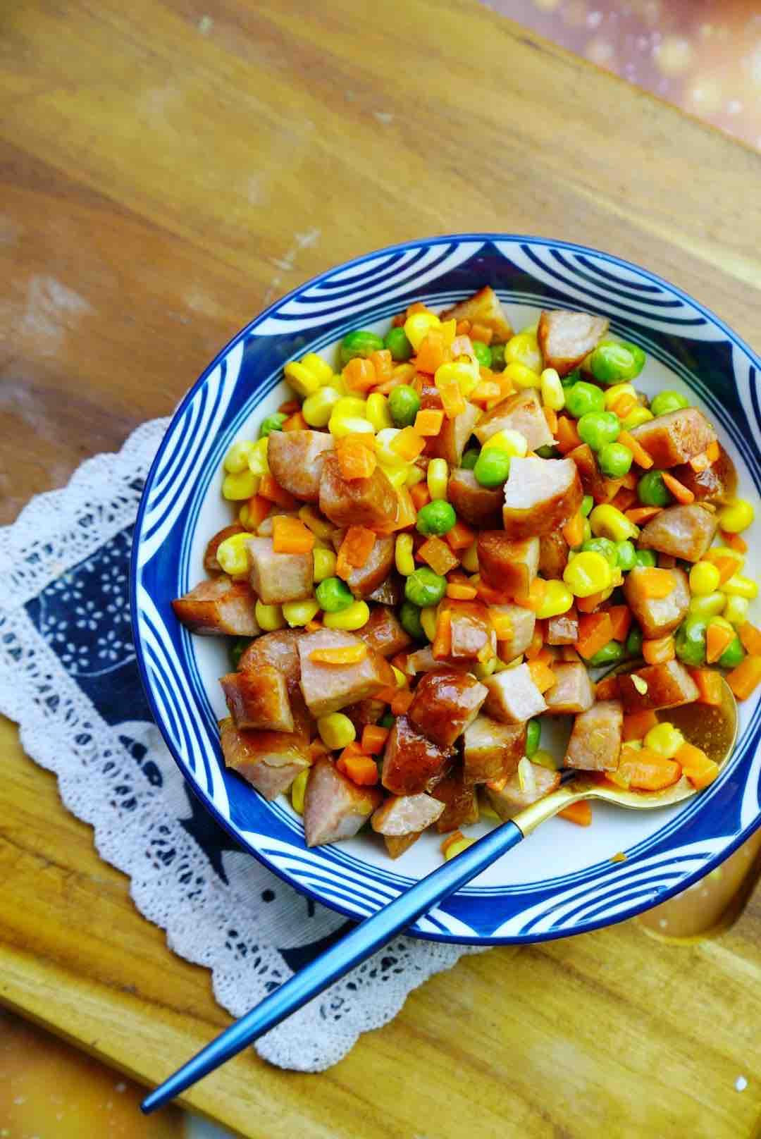 红肠三蔬丁成品图