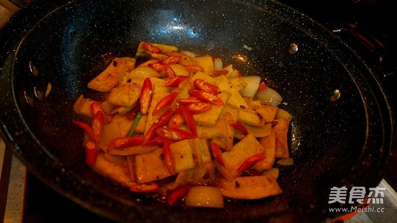 酱焖白豆腐干的制作