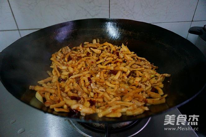 香辣炒萝卜干 小时候的味道怎样做